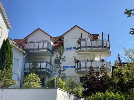Wohnen unterm Dach !! Schöne 2,5 Zi.- Wohnung in Remseck-Neckarrems