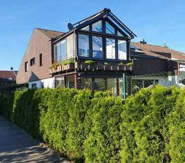 Sie heizen gerne mit Holz? Frisch renovierte 3-Zimmer-Dachwohnung mit Teckblick!