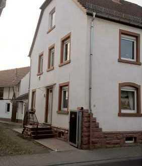 Schönes Haus mit fünf Zimmern in Erlenbach am Main, Kreis Miltenberg