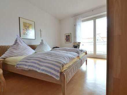 Großzügige 5 Zimmer Wohnung mit Balkon