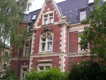 RUHIG gemütliche 2-Zimmer-Wohnung mit Erker & Wohn-Essküche und Gartenmitbenutzung