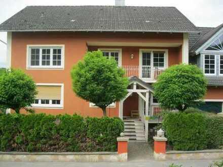 Reichmannsdorf - Mehrfamilienhaus 370 qm m. 2 WE - Luxuriöses Landhaus - m. Schwimmteich!