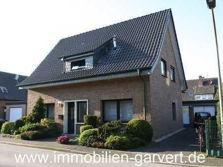 Zweifamilienhaus mit Charakter! 2 Wohnungen, 2 Gärten, 2 Garagen, in Borken/Gemen