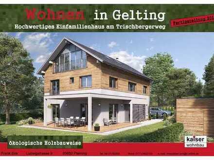Obergeschosswohnung, großer Balkon mit 10,60 m² in einem Dreifamilienhaus in Pliening