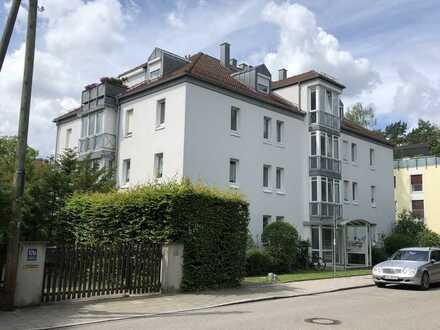 Ruhig gelegene 3 Zimmer Erdgeschosswohnung mit Terrasse, Garten u. TG-Stellplatz