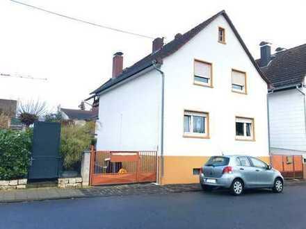 freistehendes Haus: nutzbar als Ein- oder Zweifamilienhaus in Dreieich Götzenhain mit großem Garten