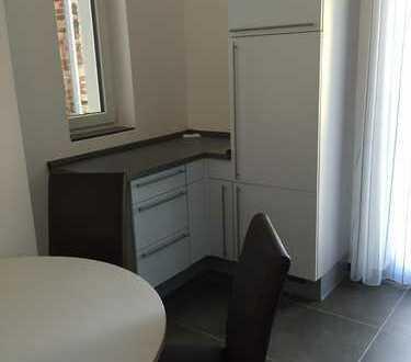 2 - WG-Zimmer in schöner, zentral gelegener Altbauwohnung