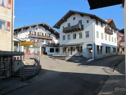 Gepflegte 2-Zimmer-Wohnung mit EBK in Siegsdorf