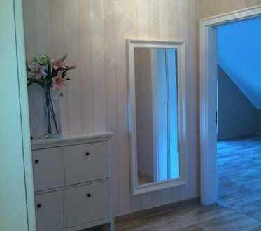 Moderne 3-Zimmer-Dachgeschosswohnung mit Balkon und EBK in Velten