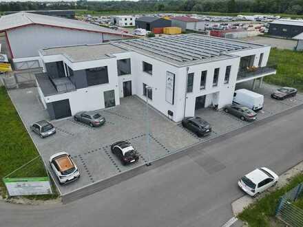 Neubauflächen für Büro / Praxis mit Balkon