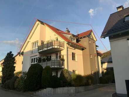 Großzügige Drei-Zimmer-DG-Galerie-Wohnung mit zwei Balkonen