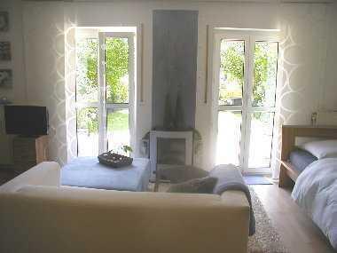 Ein Traum mit Garten! Hübsche 1-Zimmer-Komfort-Wohnung in Obertraubling