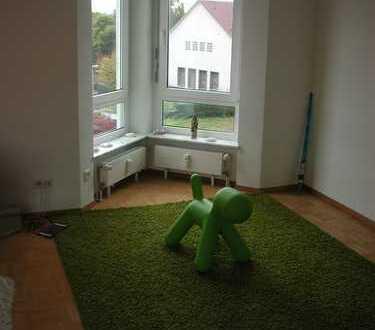 Gemütliche 3-Zimmer-DG-Wohnung mit Balkon und Einbauküche in Stuttgart-Möhringen
