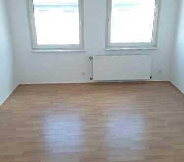 Renovierte 2 Zimmer Wohnung sucht einen Mieter! Zentral in Essen Rüttenscheid!