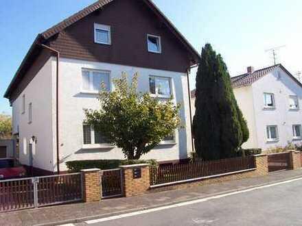 Gepflegte ruhige Wohnung mit drei Zimmern und Balkon in Roßdorf