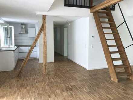 Großzügige - lichtdurchflutete 3,5-Zimmer-Wohnung