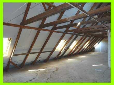 ca. 140 m² Dachgeschoss zum Ausbau einer Maisonette-Wohnung m. Balkon in ruhiger ländlicher Umgebung
