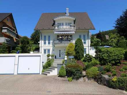 Sehr elegantes und top gepflegtes Haus mit 4-Sterne-Gästewohnung  in Traumlage von Baiersbronn