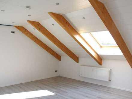 Helle 2-Zimmer Dachwohnung mit Stellplatz in Gimmeldingen auch als Kapitalanlage