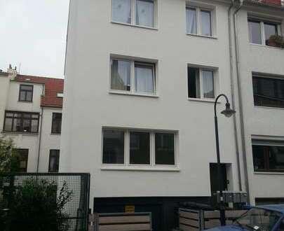 2 Zimmer Dachgeschoss-Wohnung in der Neustadt