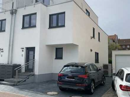 Doppelhaushälfte mit fünf Zimmern im Rhein-Neckar-Kreis, Reilingen