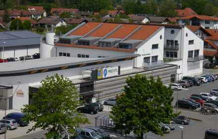 Wo der Bär steppt: moderne Büro/Praxisfläche im Ortszentrum