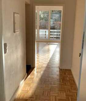 Ansprechende 1-Zimmer-Hochparterre-Wohnung mit Balkon und Einbauküche in Oldenburg