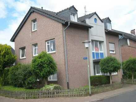 Neuwertige Wohnung mit drei Zimmern und Balkon in Goch von Privat