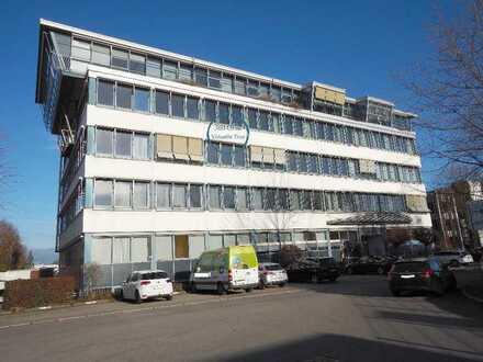 Gut aufteilbare Bürofläche, derzeit 7 Räume, Lift, 3. OG, zentral aber ruhig, 5 Stellplätze tolle...