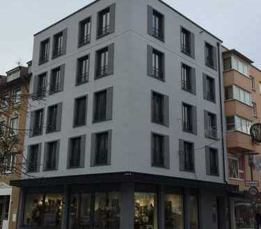Mitten im Zentrum: helle 3- Zimmer- Wohnung