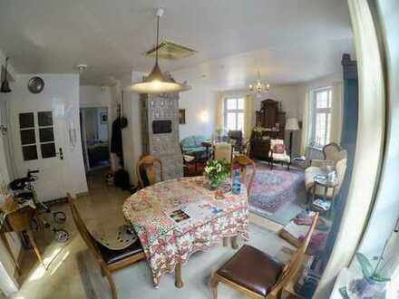 Stilvolle, gepflegte 5-Zimmer-Wohnung mit Einbauküche in Heidelberg