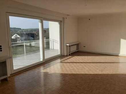 Exklusive 5,5 Zimmer-Wohnung in freistehender Lage