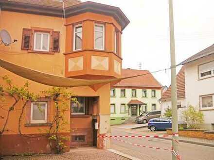 Charmantes Gründerzeithaus mit Türmchen sucht neue Besitzer (zur Selbstnutzung/Rendite)