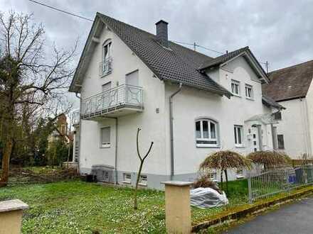 Exklusives Einfamilienhaus mit großem Garten in St. Ilgen