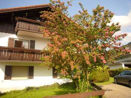 Ferientraum oder Erstwohnsitz - 2 Zimmerwohnung kplt. möbliert mit Keller, Stellplatz und 2 Balkonen
