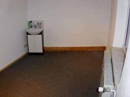 3 Zimmer mit Waschbecken,renoviert,fast alles inkl. (Strom,Wasser,Inet u.v.m.)