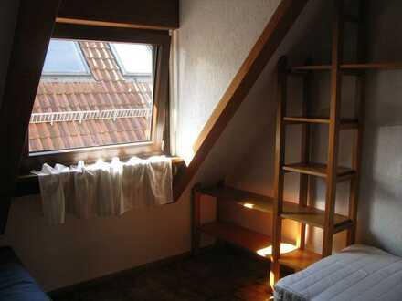 Möblierte 1-Zimmerwohnung an der Fußgängerzone