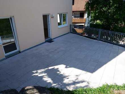 Top gepflegte 3 Zimmer Whg. mit gr.Terrasse,Einbauküche sowie Garage in 75385 Kentheim /Nähe Calw