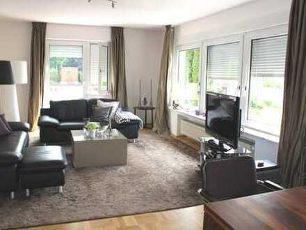 Lichtdurchflutete 3,5 Zimmer-Wohnung in 2 FH des Dortmunder Südens für Paar oder Single
