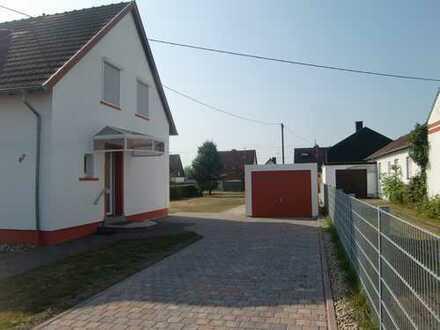 Lichtdurchflutetes Haus in ruhiger Wohnlage in Furpach mit Terrasse, grossem Garten u. Garage