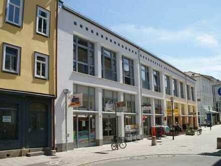 Helle 3-Zimmer-Wohnung in der Fußgängerzone