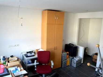 Sanierte Büroräume mit Lagerhalle im Herzen Heilbronns zu vermieten!