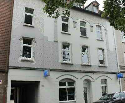 Erstbezug nach Renovierung! Dachgeschosswohnung mit Altbaucharme, ca. 84 m² Wfl. und 3-4 Zimm