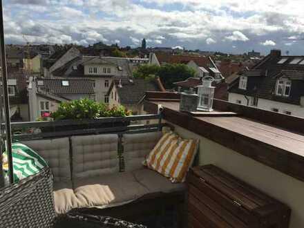 Exklusive 3-Zimmer-DG-Wohnung mit Balkon und Einbauküche in Darmstadt