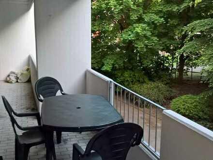 20m² Zimmer in 100m² 2er WG mit großen Wohnzimmer nähe Schloßgarten