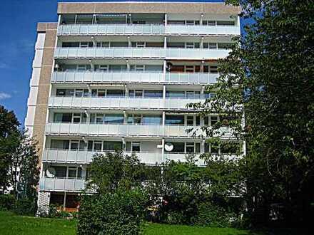 **Gut geschnittene, helle 3-Zi.-Wohnung in Ramersdorf**