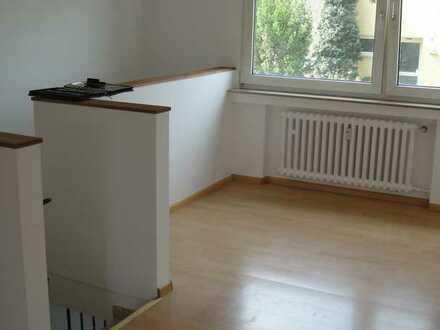 Zündorf 91m2 große lichtdurchflutete Maisonette 4-Zimmer Wohnung in Familienfreundlicher Lage