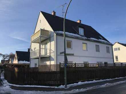 Erstbezug nach Sanierung mit Einbauküche und Balkon: freundliche und helle 3-Zimmer-Wohnung