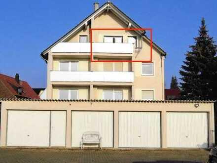 Gepflegte 2-Zimmer-DG-Wohnung mit Balkon und Einbauküche in Steinfeld