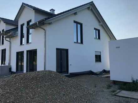 1.150 €, 123 m², 4 Zimmer